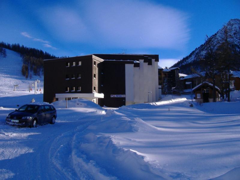 Location au ski La Residence Les Anges - Montgenèvre - Extérieur hiver