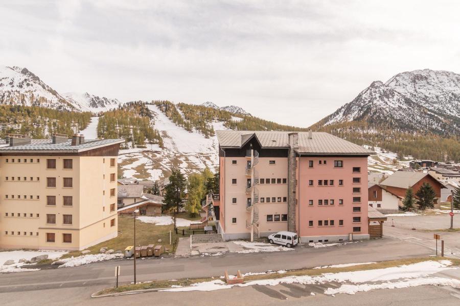 Rent in ski resort Studio sleeping corner 5 people (DETAR2) - Résidence Arzerier - Montgenèvre