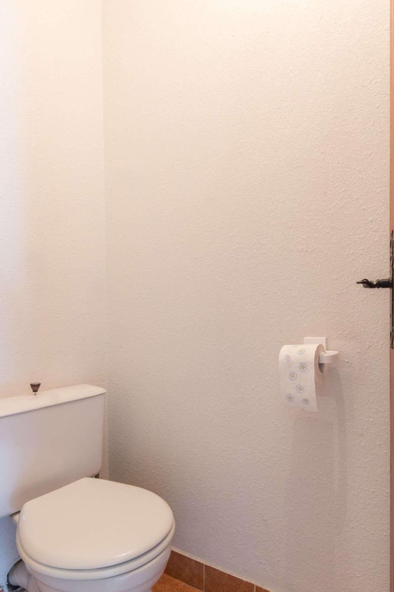 Location au ski Studio coin montagne 5 personnes (DETAR2) - Residence Arzerier - Montgenèvre - Wc