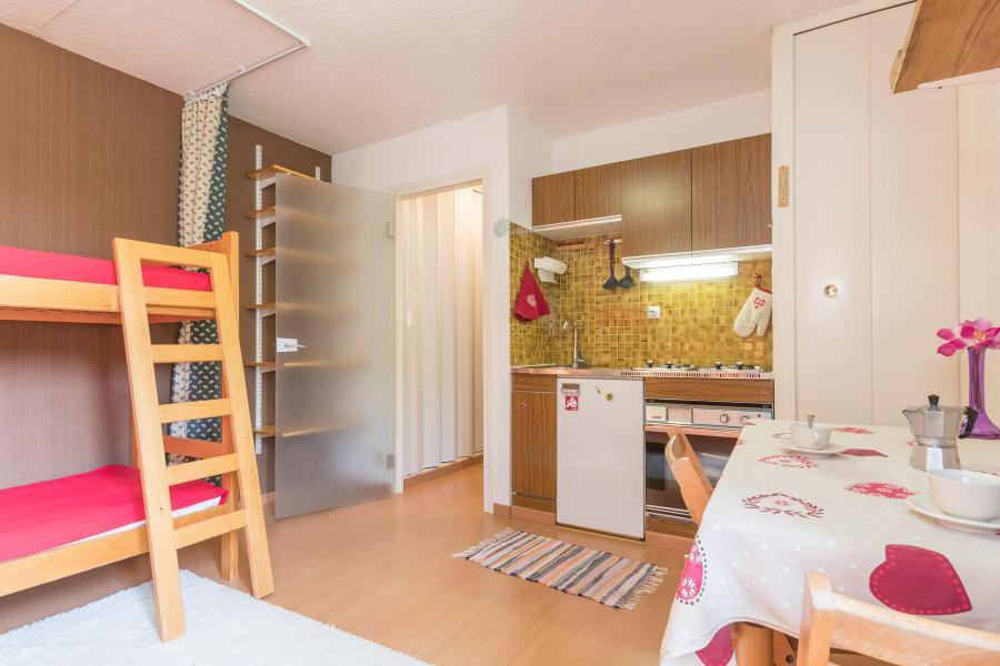 Soggiorno sugli sci Studio per 2 persone (CAVU14) - Résidence Arzerier - Montgenèvre - Appartamento