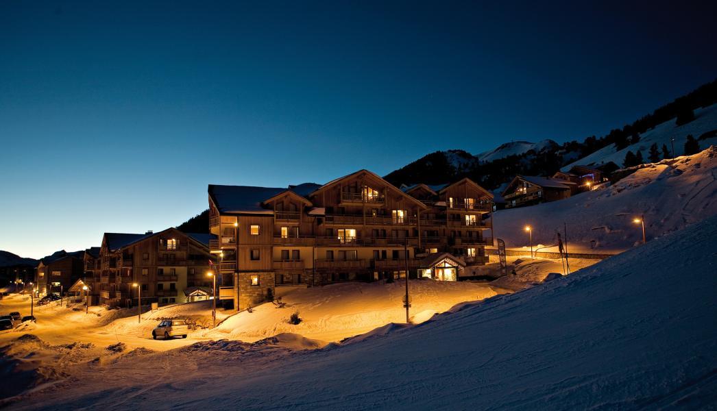 Vacanze in montagna Résidence Club MMV le Hameau des Airelles - Montgenèvre - Esteriore inverno