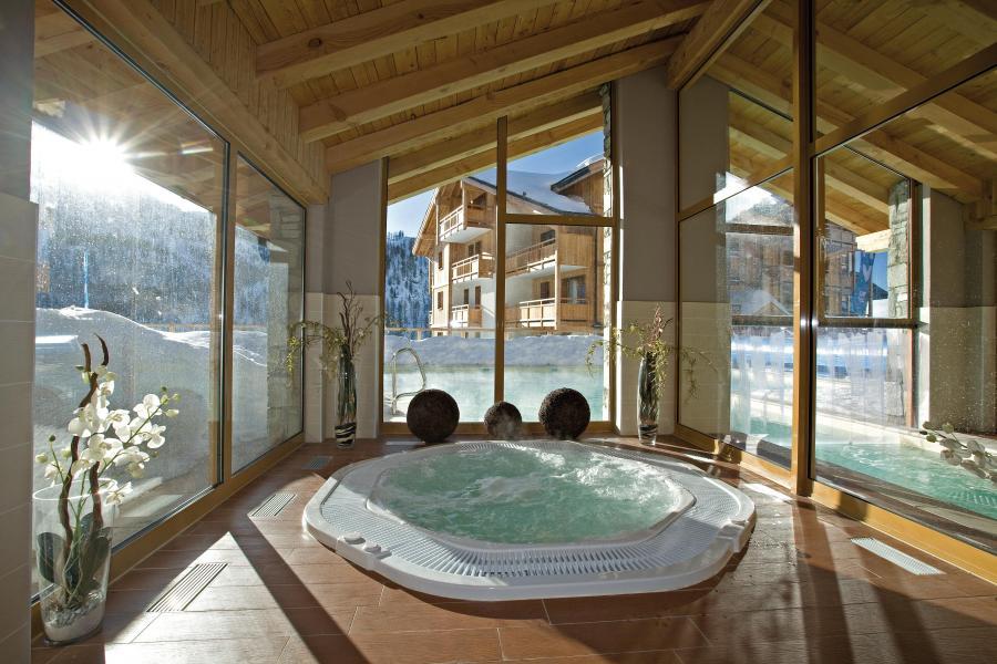 Location au ski Résidence Club MMV le Hameau des Airelles - Montgenèvre - Bain à remous