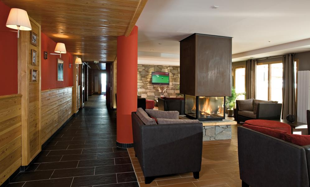 Location au ski Résidence Club MMV le Hameau des Airelles - Montgenèvre - Cheminée