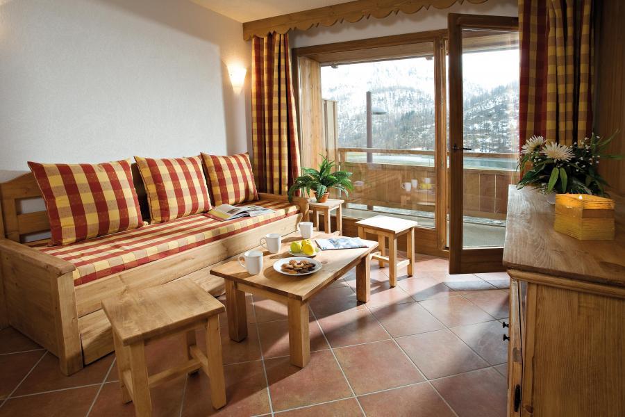 Alquiler al esquí Résidence Club MMV le Hameau des Airelles - Montgenèvre - Mesa baja