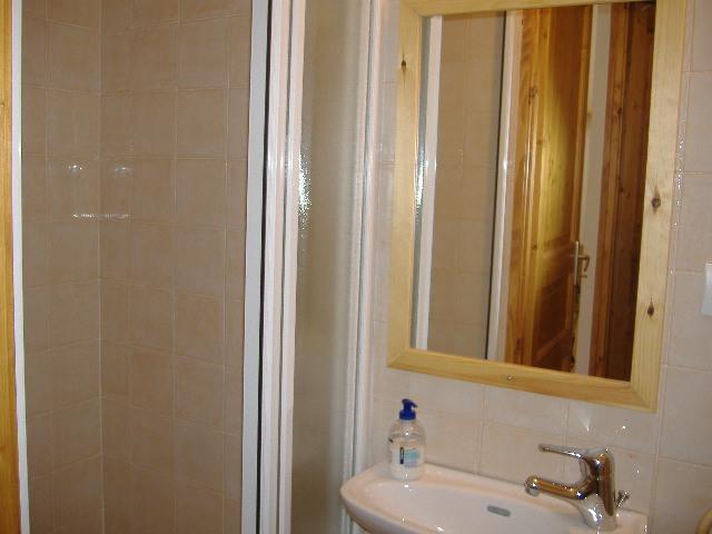 Location au ski Appartement 2 pièces coin nuit 6 personnes (MOR10) - Residence La Grange Du Berger - Montgenèvre - Salle d'eau