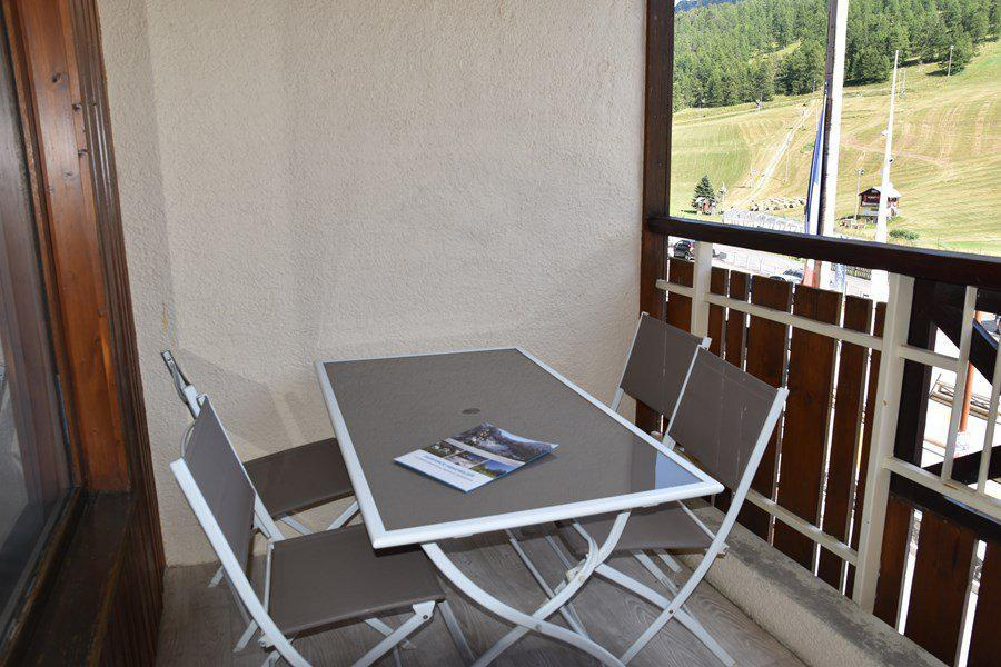 Rent in ski resort 4 room duplex apartment 8 people (205) - Résidence le Golf - Montgenèvre