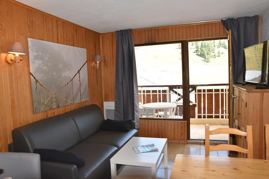 Rent in ski resort Studio sleeping corner 4 people (203) - Résidence le Golf - Montgenèvre - Living room
