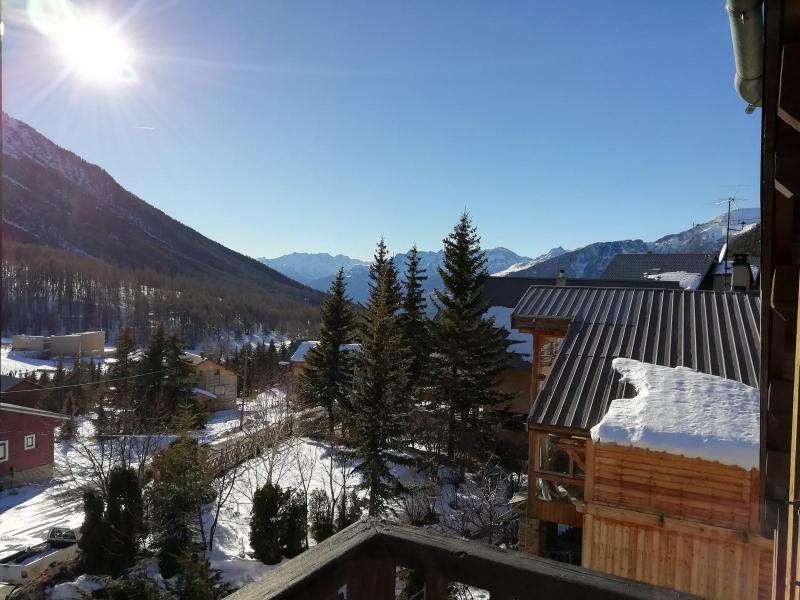 Wakacje w górach Apartament duplex 3 pokojowy 6 osób (LAUGAR) - Résidence le Lauzin - Montgenèvre - Zima na zewnątrz