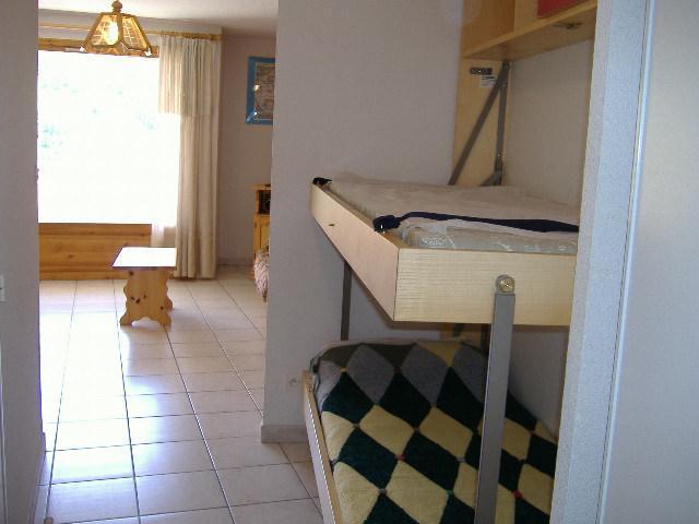 Location au ski Appartement 2 pièces coin montagne 6 personnes (BER012) - Residence Le Paradis Latin - Montgenèvre - Couchage