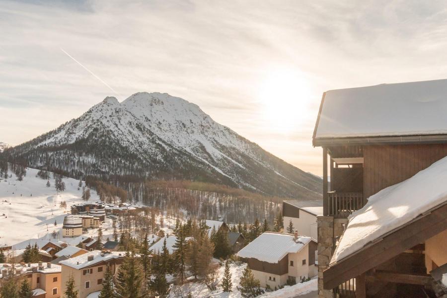 Vacances en montagne Appartement 3 pièces 6 personnes (SARA21) - Résidence Le Parthénon - Montgenèvre - Extérieur hiver