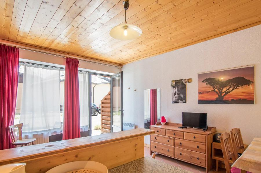 Location au ski Studio coin montagne 4 personnes (05) - Résidence les Alpets - Montgenèvre - Coin séjour