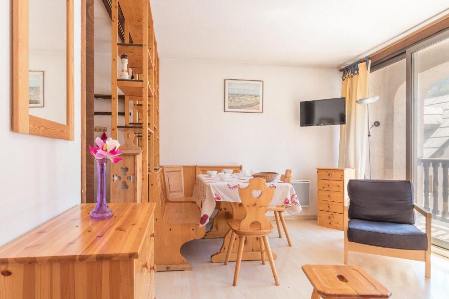 Location au ski Residence Les Bardeaux - Montgenèvre - Extérieur hiver