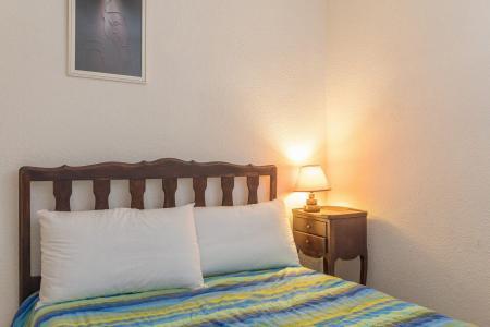 Location au ski Appartement 2 pièces coin montagne 4 personnes (DOTA14) - La Residence Ferme D'augustin - Montgenèvre - Lit armoire 2 personnes