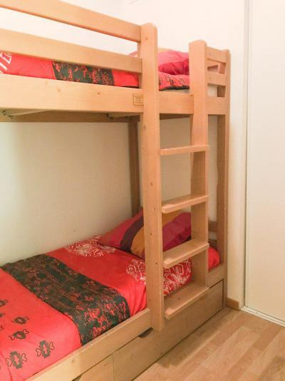 Rent in ski resort Studio cabin 5 people (NG11) - La Résidence Neige et Golf - Montgenèvre - Bunk beds