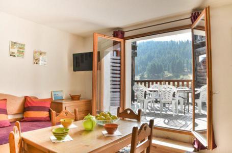 Rent in ski resort Studio cabin 5 people (NG11) - La Résidence Neige et Golf - Montgenèvre - Table