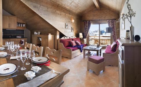 Rent in ski resort Le Chalet des Dolines - Montgenèvre - Living room