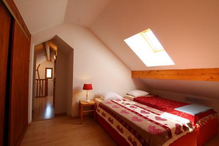 Rent in ski resort 2 room duplex apartment 5 people (RUFIN10) - Résidence La Grosse Pierre - Montgenèvre - Bedroom