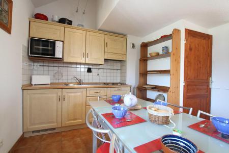Rent in ski resort 2 room duplex apartment 5 people (RUFIN10) - Résidence La Grosse Pierre - Montgenèvre - Kitchen