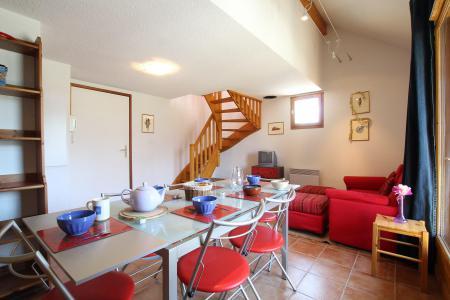 Rent in ski resort 2 room duplex apartment 5 people (RUFIN10) - Résidence La Grosse Pierre - Montgenèvre - Living room