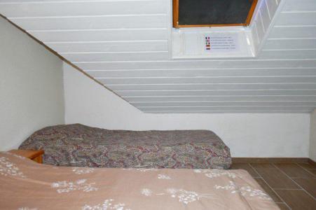 Rent in ski resort 4 room duplex apartment 8 people (205) - Résidence le Golf - Montgenèvre - Bedroom