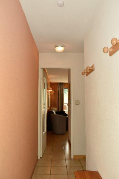 Rent in ski resort Studio sleeping corner 4 people (203) - Résidence le Golf - Montgenèvre - Corridor