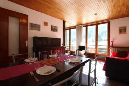 Location au ski Studio coin nuit 4 personnes (PERRY) - Residence Le Transalpin - Montgenèvre - Table