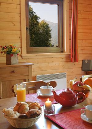Location au ski Les Chalets Du Bois De Champelle - Morillon - Coin repas