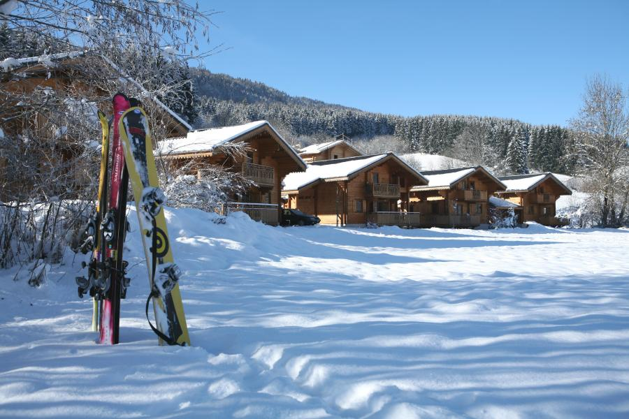 Urlaub in den Bergen Les Chalets du Bois de Champelle - Morillon - Draußen im Winter