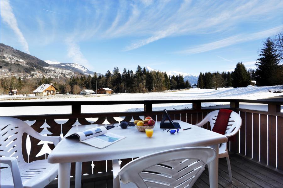 Location au ski Les Chalets du Bois de Champelle - Morillon - Extérieur hiver