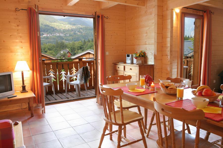 Location au ski Les Chalets du Bois de Champelle - Morillon - Salle à manger