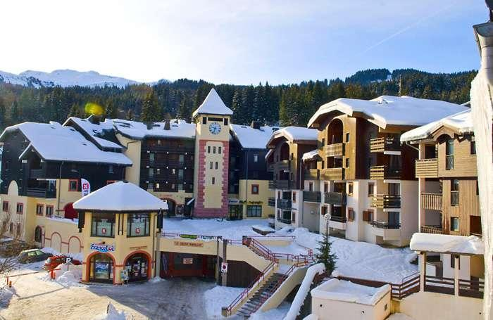 Rent in ski resort Résidences du Plateau des Esserts - Morillon - Winter outside