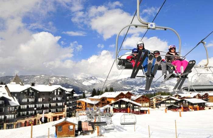 Location au ski Résidences du Plateau des Esserts - Morillon - Extérieur hiver