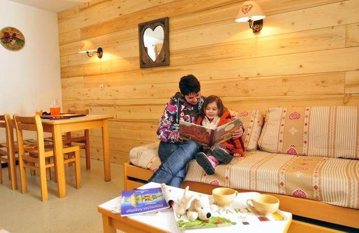 Rent in ski resort Résidences du Plateau des Esserts - Morillon - Living area