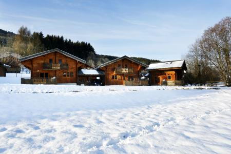 Rent in ski resort Les Chalets du Bois de Champelle - Morillon - Winter outside