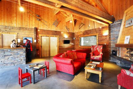 Rent in ski resort Les Chalets du Bois de Champelle - Morillon - Reception