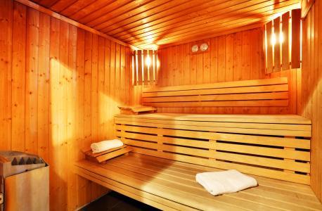 Location au ski Les Chalets du Bois de Champelle - Morillon - Sauna