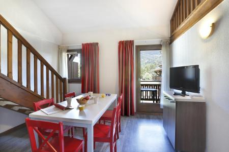 Rent in ski resort Résidence Grand Massif - Morillon - Dining area