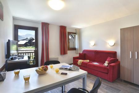 Rent in ski resort Résidence Grand Massif - Morillon - Table