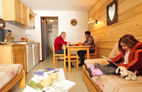 Location au ski Residences Du Plateau Des Esserts - Morillon - Séjour