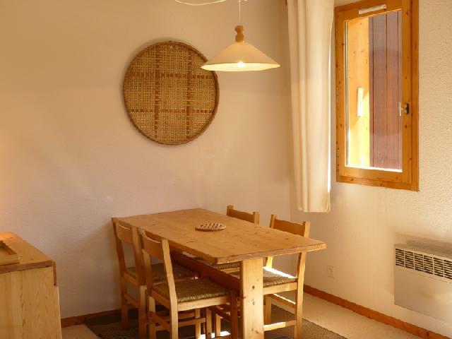 Location au ski Appartement 3 pièces 6 personnes (025) - Residence Cimes Ii - Mottaret - Table