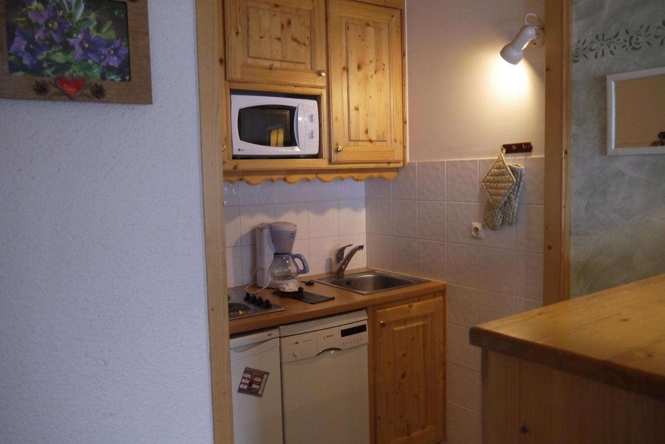 Location au ski Appartement 2 pièces 5 personnes (015) - Residence Les Proveres - Mottaret