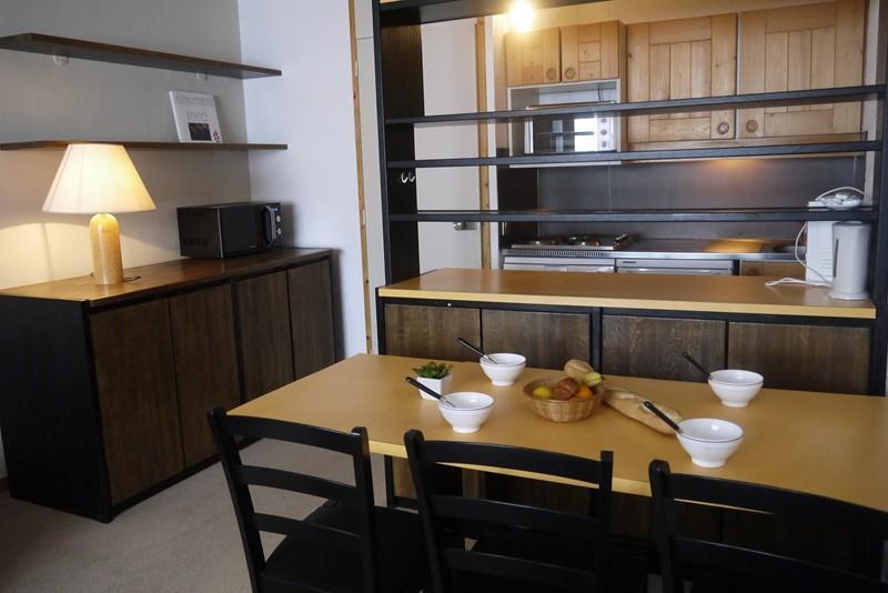 Location au ski Appartement 2 pièces 5 personnes (047) - Residence Arpasson - Méribel-Mottaret - Table basse