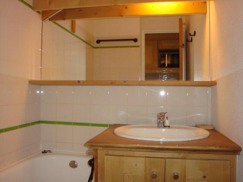 Location au ski Appartement 3 pièces cabine 6 personnes (371) - Residence Pralin - Mottaret - Canapé-lit