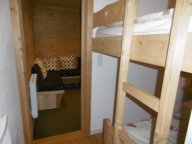 Location au ski Studio 5 personnes (501) - Residence Pralin - Méribel-Mottaret - Lits superposés