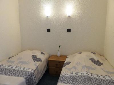 Location au ski Appartement 2 pièces 4 personnes (23) - Residence Creux De L'ours Rouge - Mottaret - Lit simple