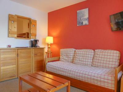 Location au ski Studio cabine 4 personnes (10) - Residence Gentianes - Mottaret - Canapé-lit