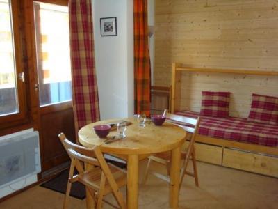 Location au ski Studio 3 personnes (019) - Residence La Grande Rosiere - Mottaret - Table