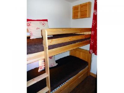 Location au ski Appartement 2 pièces cabine 6 personnes (05) - Residence Le Serac - Mottaret - Canapé-lit