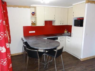 Location au ski Appartement 2 pièces cabine 6 personnes (05) - Residence Le Serac - Mottaret - Coin repas
