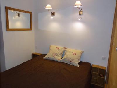 Location au ski Appartement 2 pièces cabine 6 personnes (05) - Residence Le Serac - Mottaret - Lit double